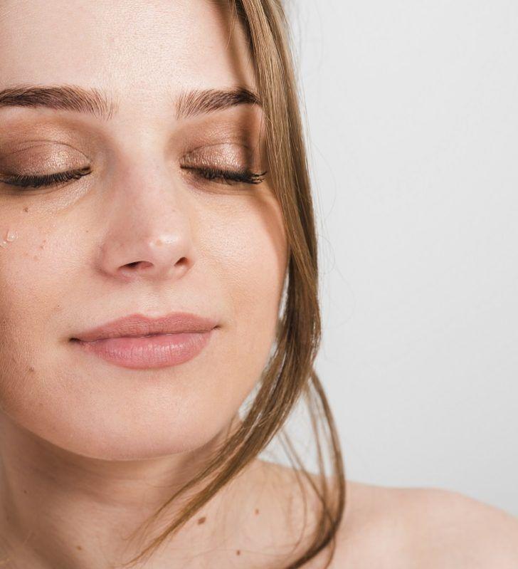 Acido ialuronico viso: siero di bellezza per una pelle giovane e rimpolpata