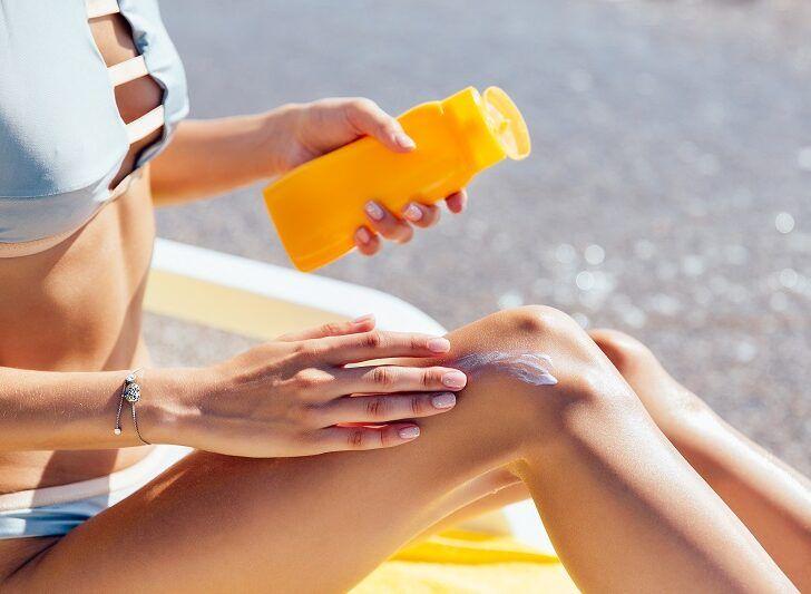 Prodotti solari e prima esposizione al sole dopo la quarantena: l'importanza di idratare la pelle